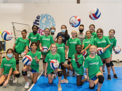 group-class-at-the-volleyball-school